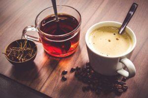 el cafe y te manchan los dientes